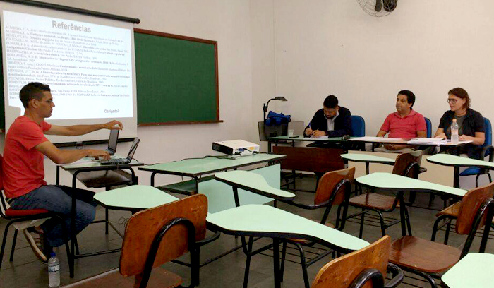 banca_examinadora_foto_capa_faculdade