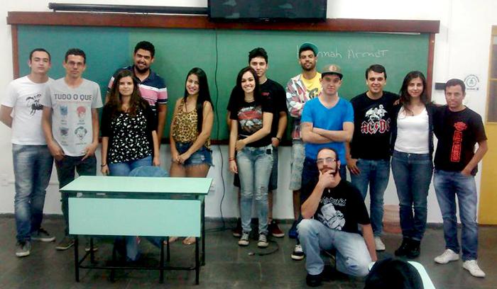 curso_historia_7_05_foto_capa_faculdade