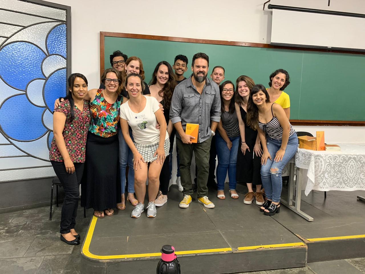 Professores dos Cursos de Licenciatura em Pedagogia, Letra e História fizeram o lançamento de seus livros na Fimi.