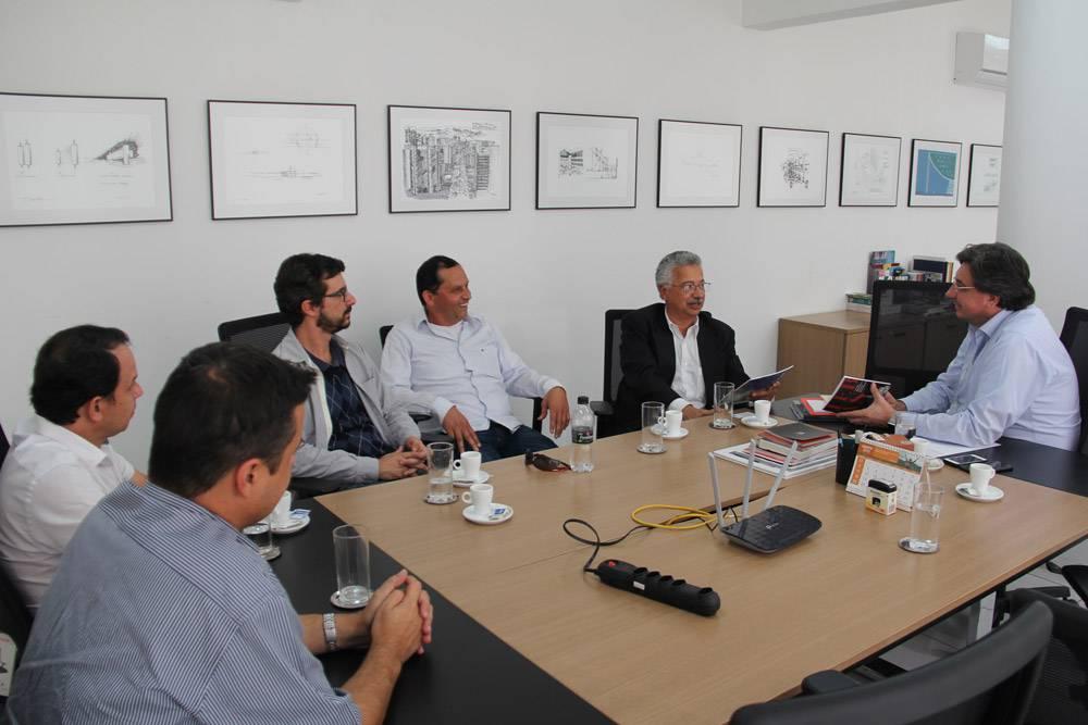 Conselho de arquitetura e urbanismo de SP recebe representantes da Fimi e da AEARMG