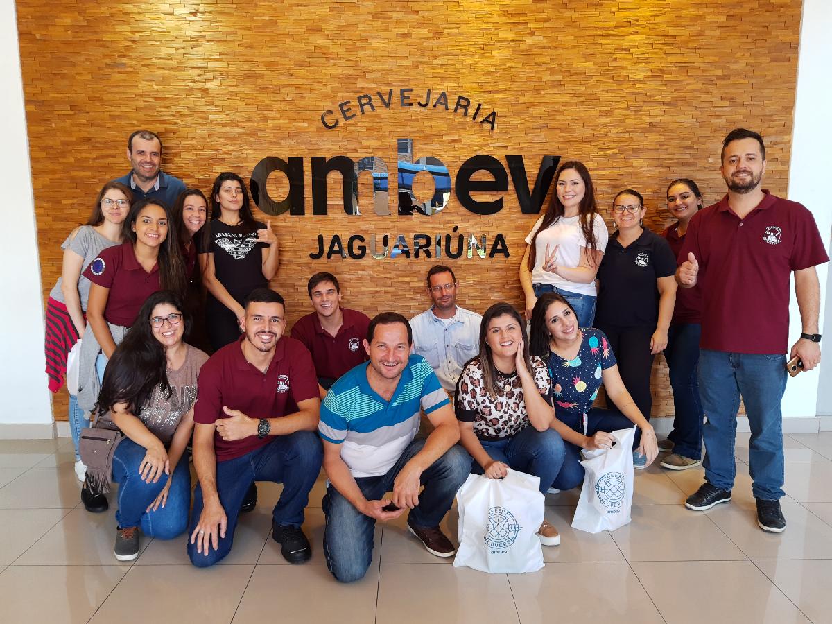 Alunos de Química Industrial visitam AMBEV Jaguaríuna